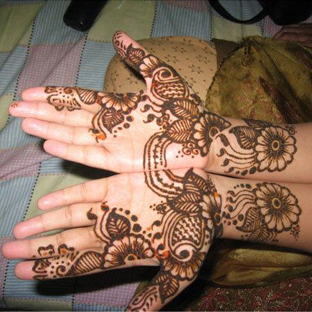 زیباترین طرح های حنا روی دست