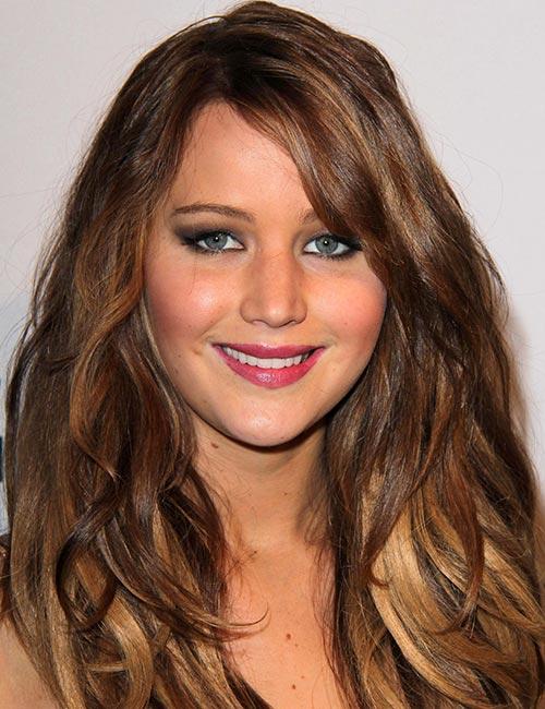 مدل موی پر لایه های طلایی موج دار